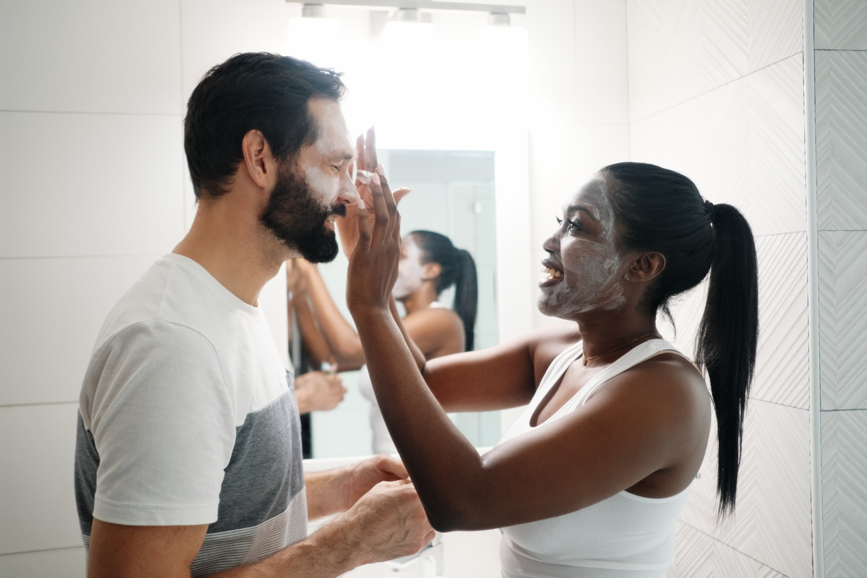 The differences in men and women's skin